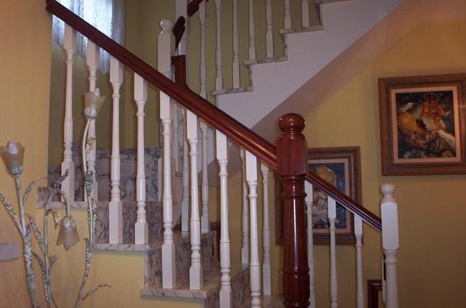 Barandas madera servitja - Vallas para escaleras ...