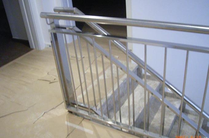 Barandas metalicas servitja for Escaleras de exterior metalicas