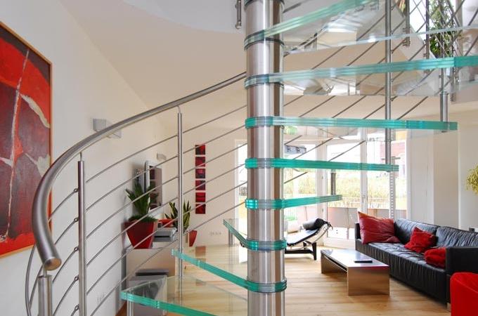 Escaleras caracol pelda os vidrio servitja for Decoracion de gradas internas