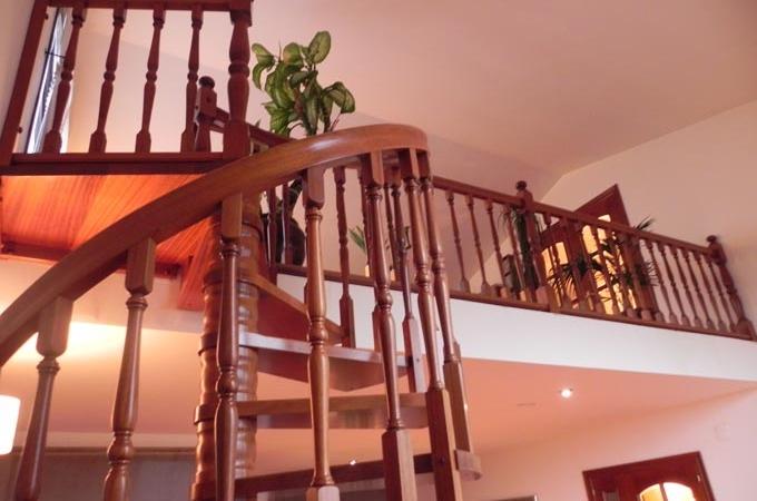 Escaleras caracol madera servitja - Escaleras de caracol barcelona ...
