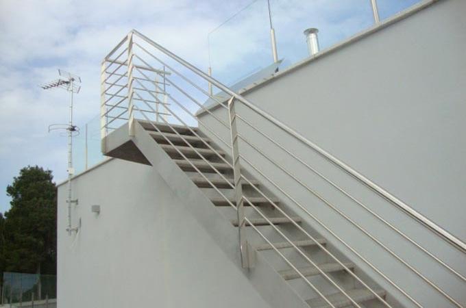 Buscar telefono autos post - Escaleras de exterior de obra ...