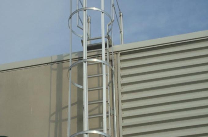 Escaleras aluminio con aros de proteccion servitja - Proteccion escaleras para ninos ...