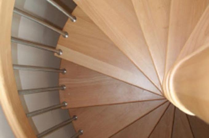 Escaleras caracol madera servitja - Escaleras de caracol de madera ...