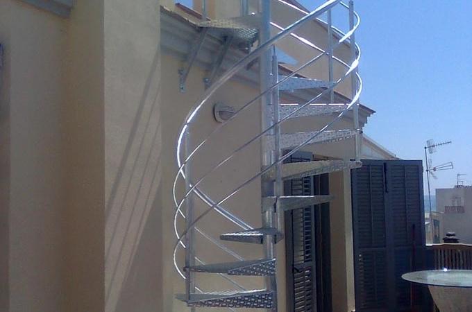 Escaleras caracol metal servitja - Escalera caracol exterior ...