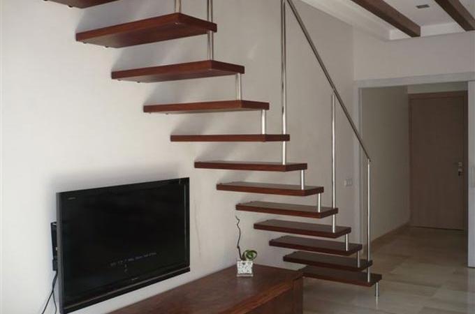 Pelda os madera 45mm y baranda acero inox servitja - Madera para peldanos de escalera ...