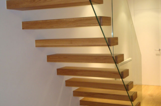 Pelda os mader 80 mm y baranda vidrio servitja - Peldanos de madera para escalera ...