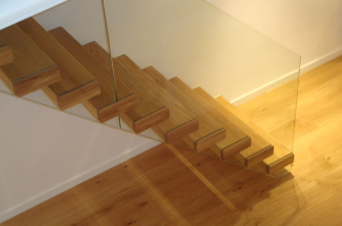 Escaleras De Madera Y Cristal. Finest La Pobla Interior With ...