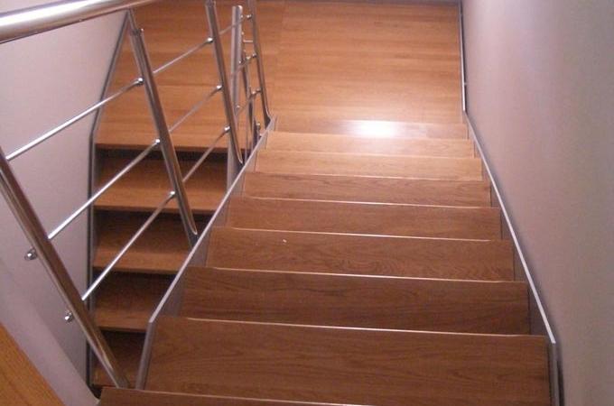 Zancas metalicas y pelda os madera servitja - Escaleras de peldanos ...