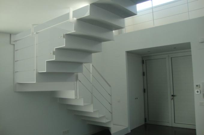 Escaleras de hierro y madera precios with escaleras de - Precio escaleras interiores ...