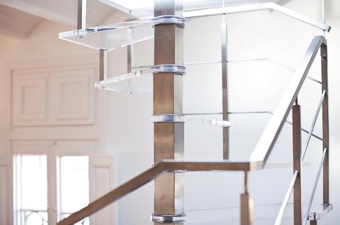 Escaleras caracol pelda os metacrilato servitja - Escaleras de caracol barcelona ...